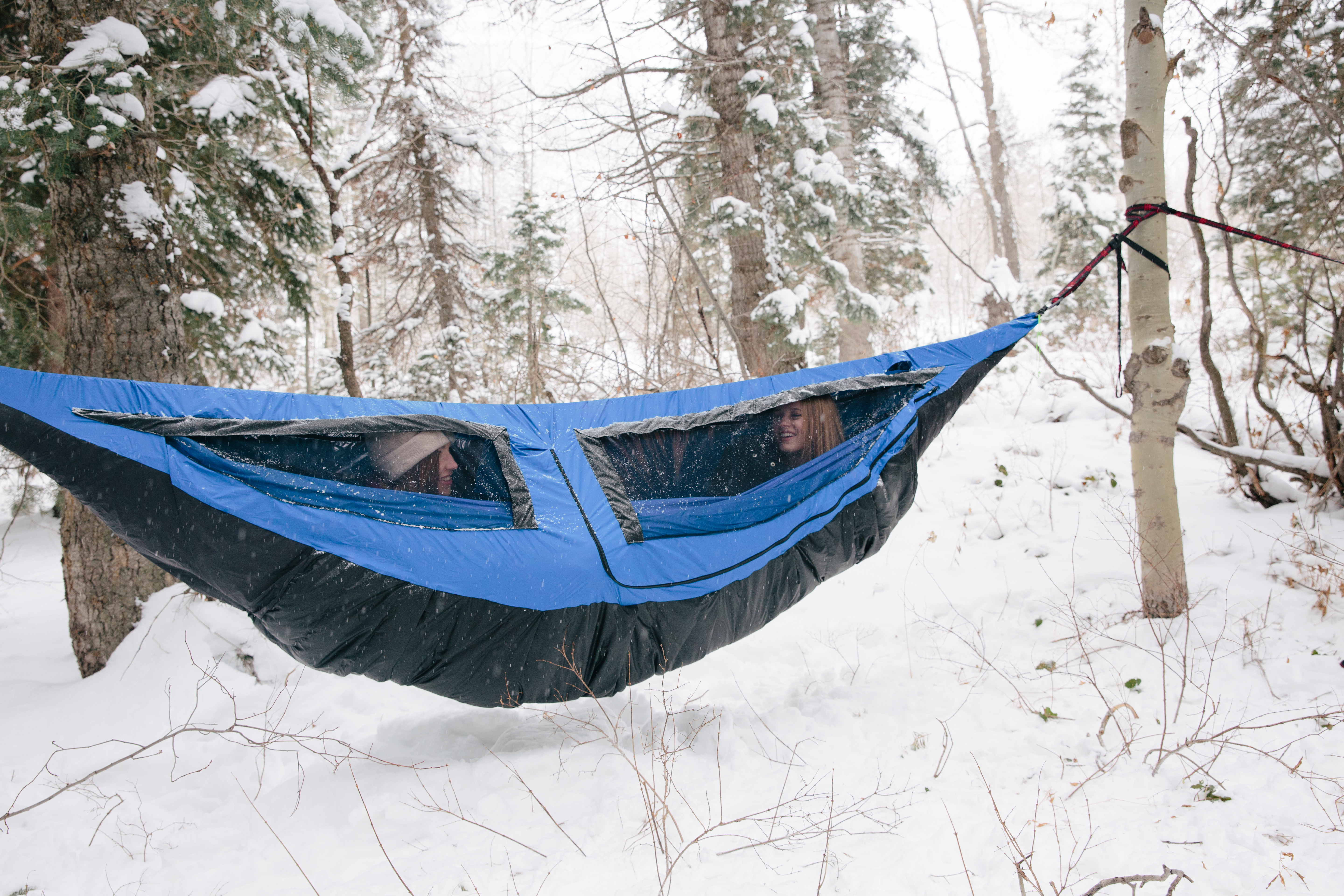 The Shel Hammock Cover Is Equipped For All Conditions.
